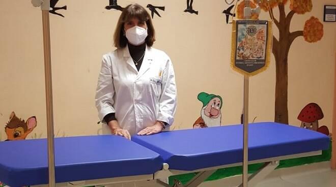 donazione lions storici artisti presepisti d'asti a pediatria cardinal massaia