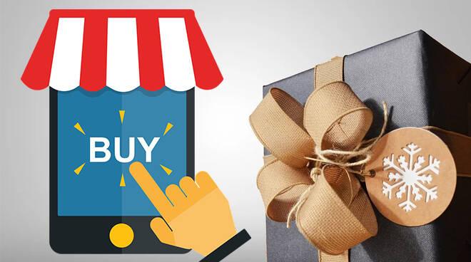 shopping-natalizio-online-154723.660x368