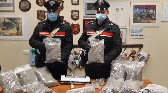 arresto carabinieri chieri spacciatore buttigliera d'asti
