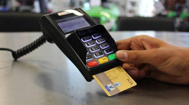 pagamento carta di credito Foto di flyerwerk da Pixabay