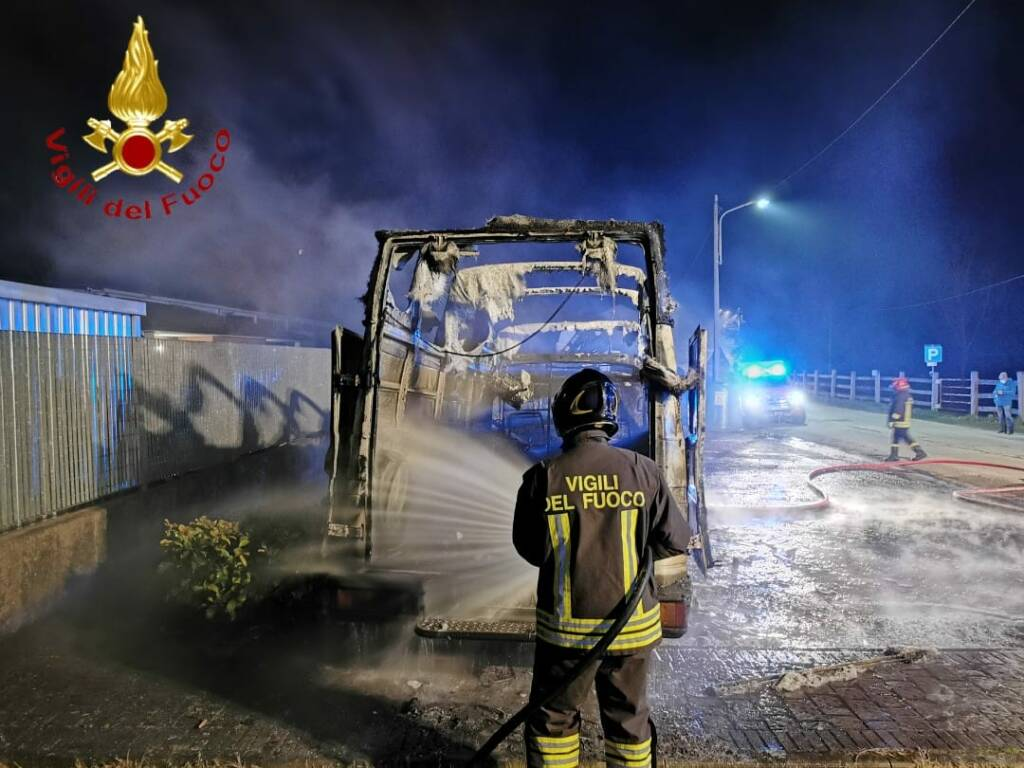 Incendio furgone Grana