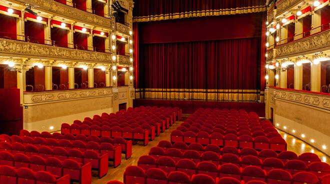 """Teatro Alfieri e lo Spazio Kor di Asti partecipano all'iniziativa """"Facciamo luce sul teatro!"""""""