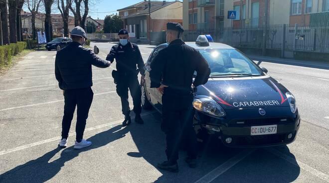 Nonostante la zona rossa di Crescentino vanno a zonzo, fermati e denunciati a piede libero dai Carabinieri