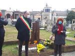 Fiori al Cimitero di Asti per l'8 marzo per  commemomare le Brusaji e le vittime di violenza