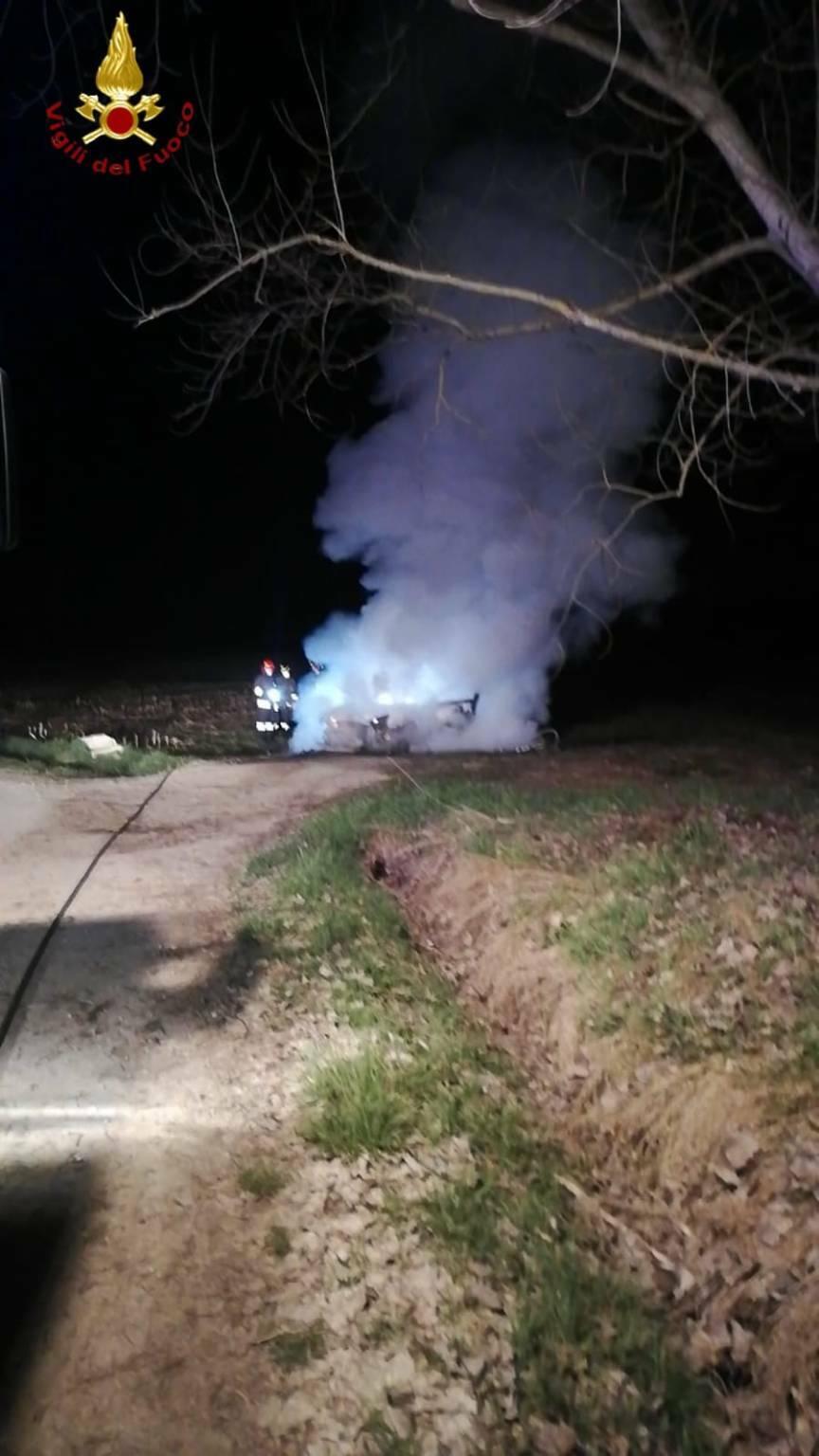 incendio auto celle enomondo