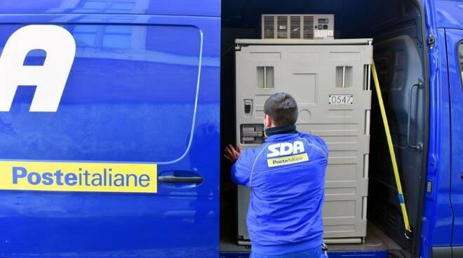 Poste Italiane consegna ad Asti  i Vaccini Astrazeneca