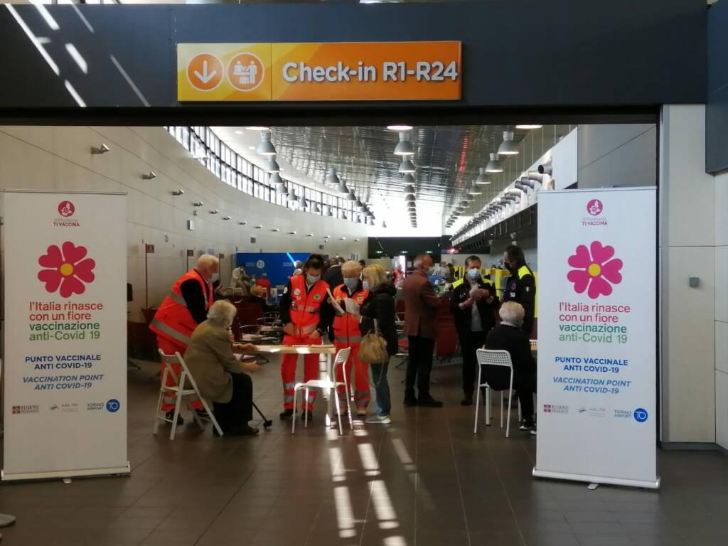 hub vaccinale aeroporto torino