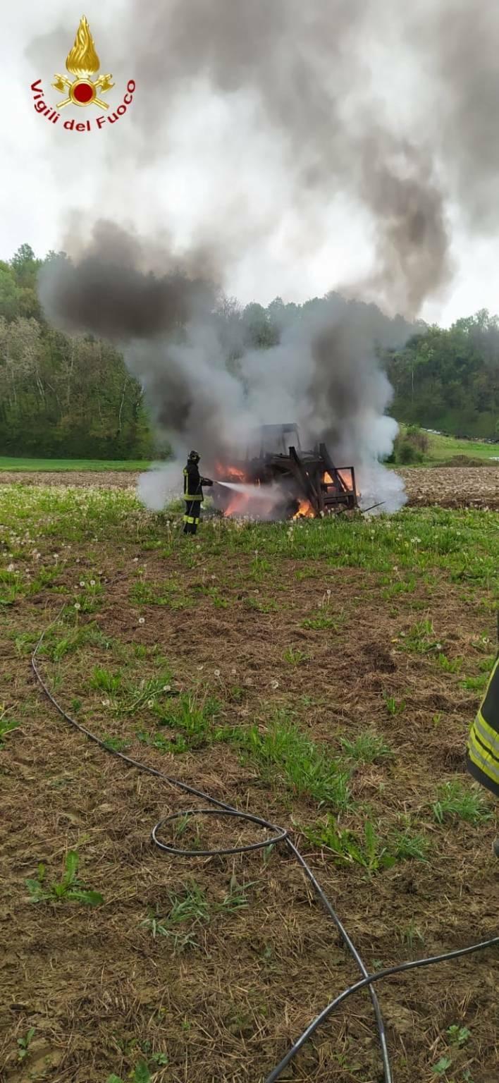 incendio trattore piovà massaia