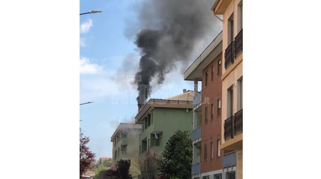 incendio via perosi asti