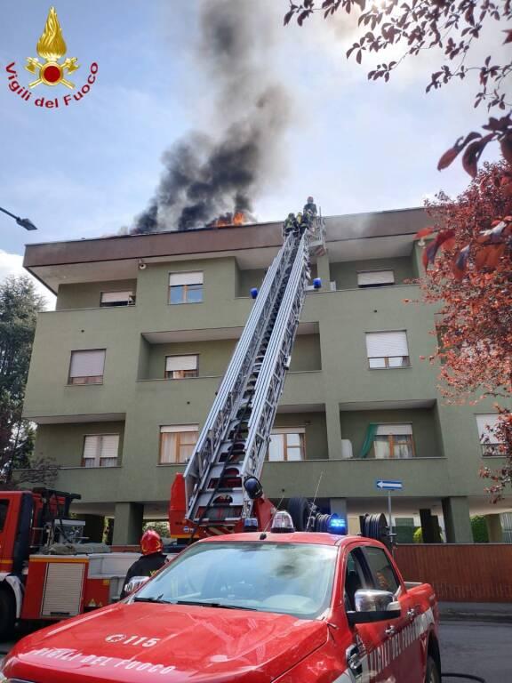 Incendio via pirosi Asti