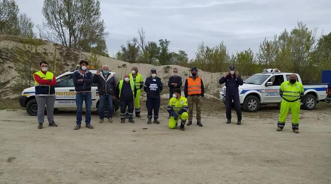 Pulizia rifiuti lungo Tanaro a Isola d'Asti