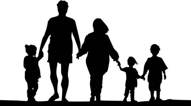 genitori Foto di OpenClipart-Vectors da Pixabay
