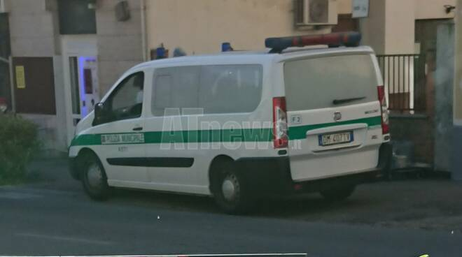 Incidente viale Partigiani polizia locale asti