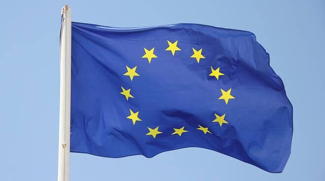 bandiera unione europea europa Foto di Greg Montani da Pixabay