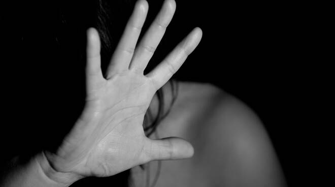 violenza sessuale Image by Nino Carè from Pixabay