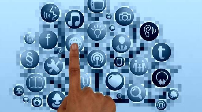 web tv media social internet pixabay Gerd Altmann