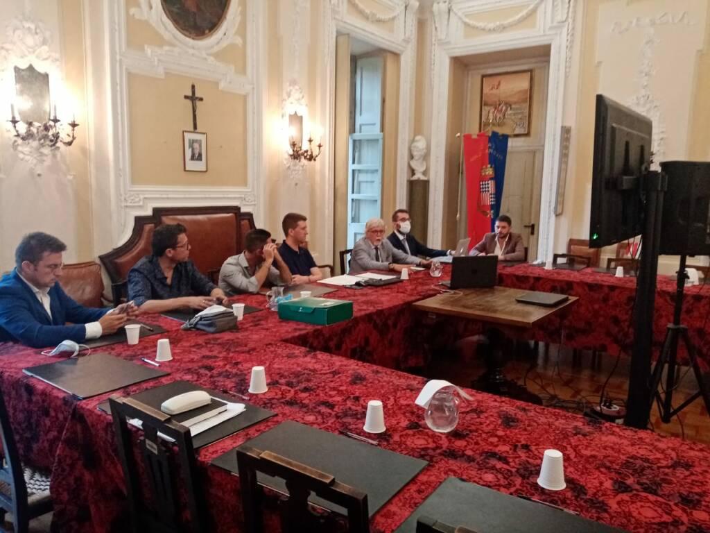 presentazione distretto commercio unione di Comuni Terre di Vini e di Tartufi