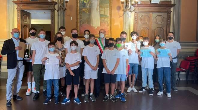 giocatori del Circolo Scacchistico Astigiano in municipio ad Asti