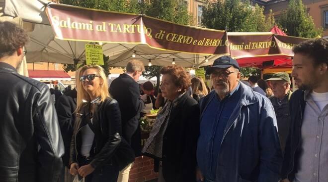 mercato ambulante fiera tartufo