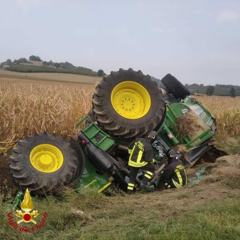 trattore ribaltato