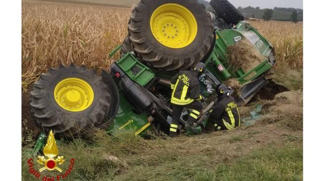 trattore ribaltato corsione
