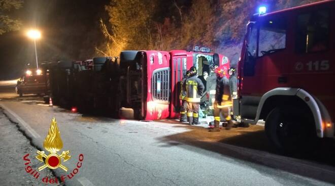 incidente bubbio camion rovesciato