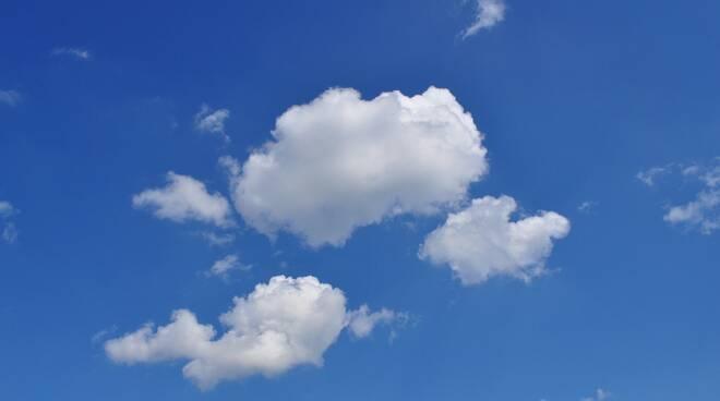 nuvole, aria purificata Foto di PublicDomainPictures da Pixabay